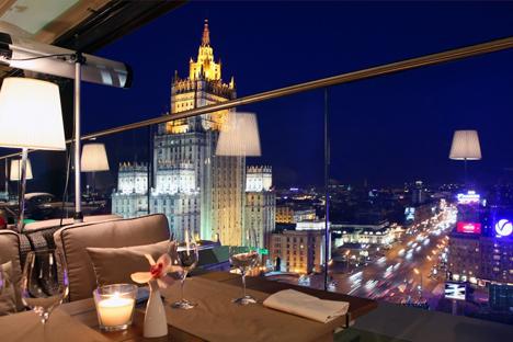 """Вид на Москву из ресторана """"Белый кролик"""". PressPhoto"""