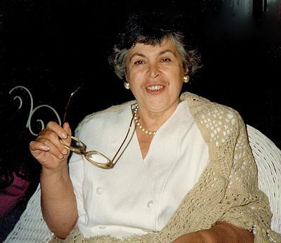 Нина Михайловна Демурова - литературовед, исследователь литературы Великобритании и США, детской английской литературы, переводчик с английского
