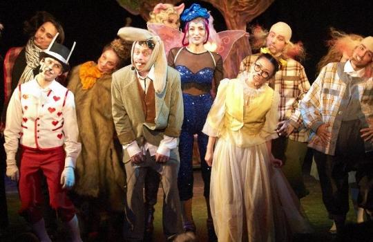 Премьера спектакля «Алиса в стране чудес»