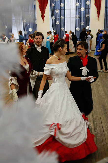 Зимний бал студии исторического танца «Зазеркалье»