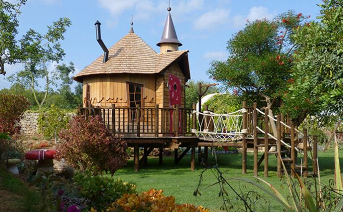Дом на дереве «Алиса в стране чудес» (Испания)