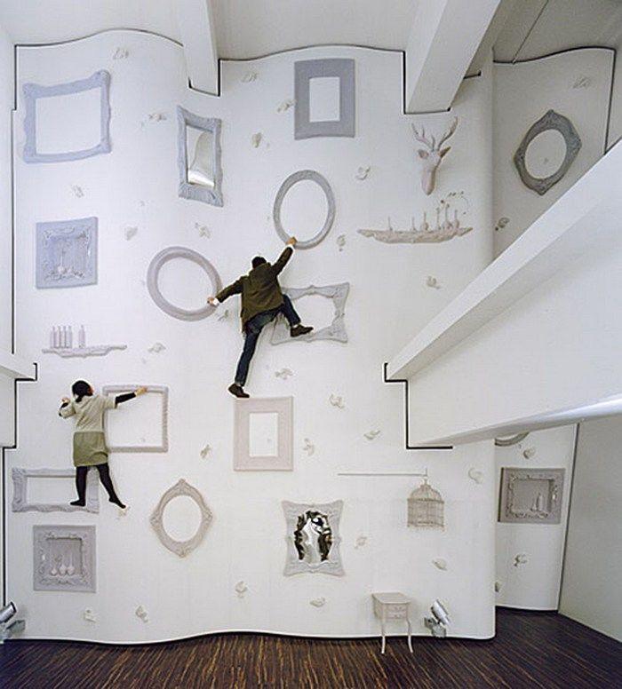 """Стена для скалолазания """"Алиса в Стране чудес"""", Япония"""