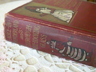 Маленькие британцы любят читать про Винни-Пуха и Алису