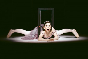 Сцена из балета «Алиса» в Королевском оперном театре в Лондоне. Фото Johan Persson/ ROH