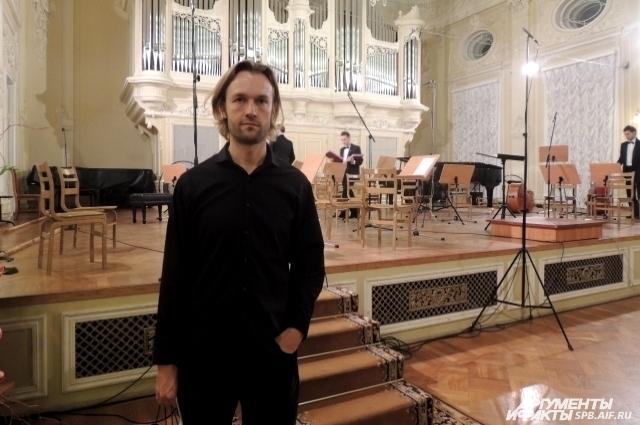 Габриэль Прокофьев перед началом представления немного волновался Фото: АиФ / Яна Хватова