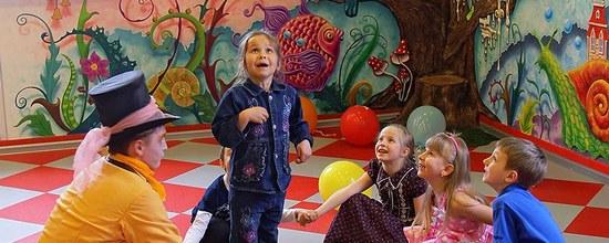 Настоящее Зазеркалье: в Петрозаводске открылось кафе по мотивам произведений Кэрролла