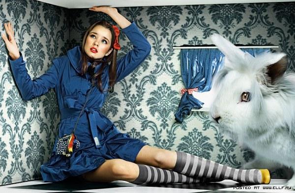 "Фотографы Момчила Христова и Йорданова Антония: по следам сказки ""Алиса в стране чудес"""